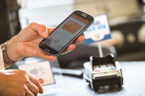 Безопасные телефоны для мобильных банков