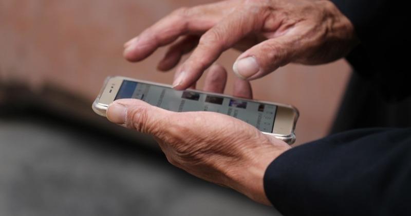 Новая жизнь: 6 идей, как использовать старый смартфон