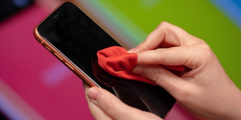 Как самостоятельно очистить смартфон и сэкономить на услугах сервисного центра