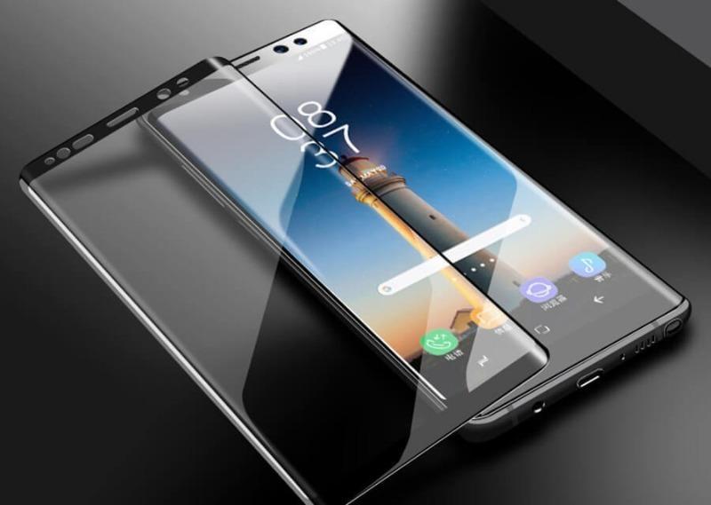 7 причин не клеить на смартфон защитное стекло, которые не всем очевидны