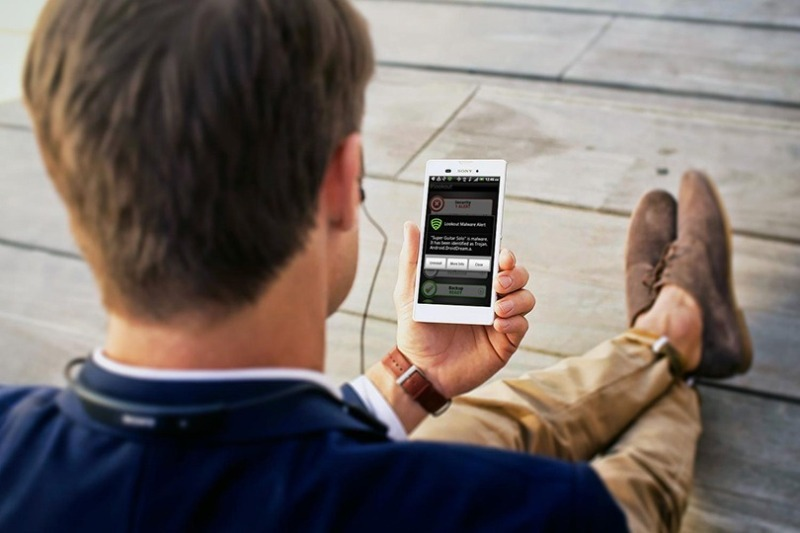 Как обезвредить шпиона: что сделать со своим телефоном, чтобы он за вами не следил